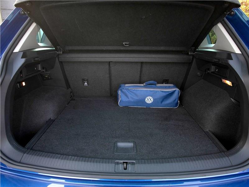 Volkswagen Tiguan (2018) багажное отделение