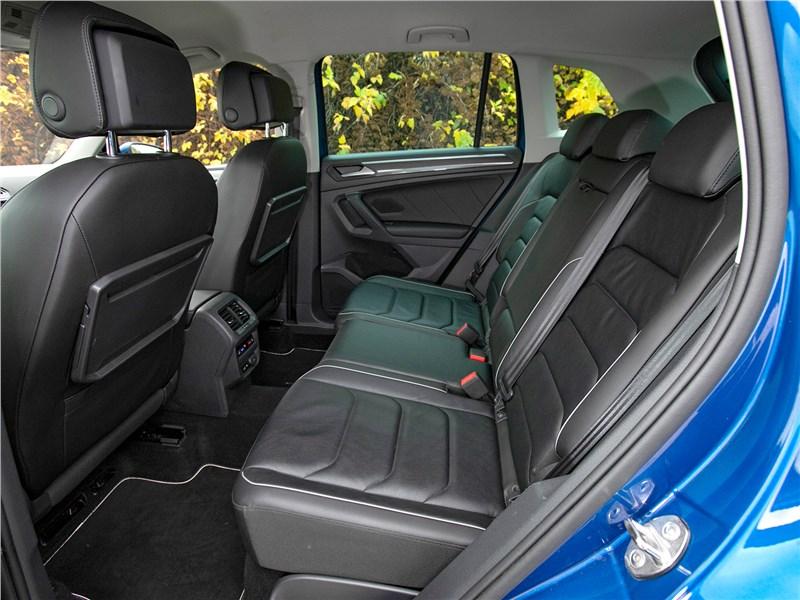 Volkswagen Tiguan (2018) задний диван