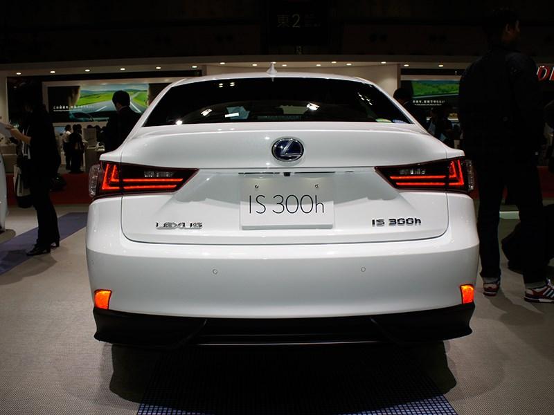 Lexus IS 2013 вид сзади