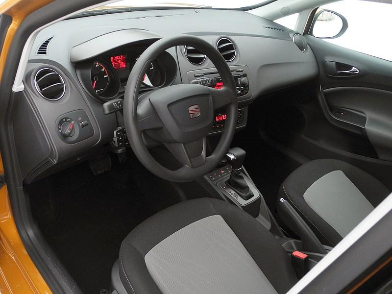Seat Ibiza 2012 водительское место