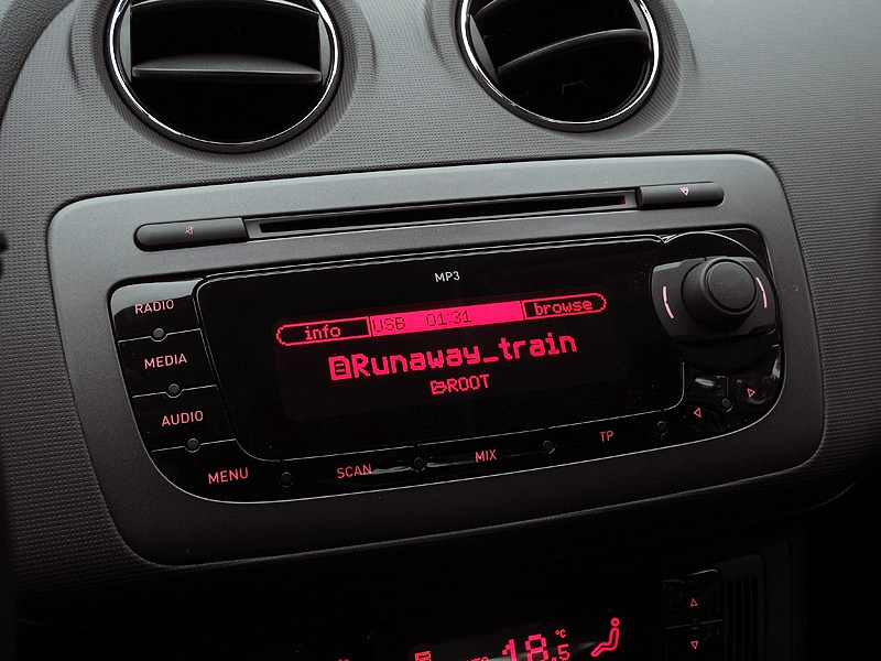 Seat Ibiza 2012 панель аудиосистемы