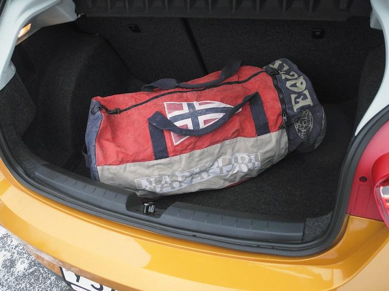Seat Ibiza 2012 багажное отделение