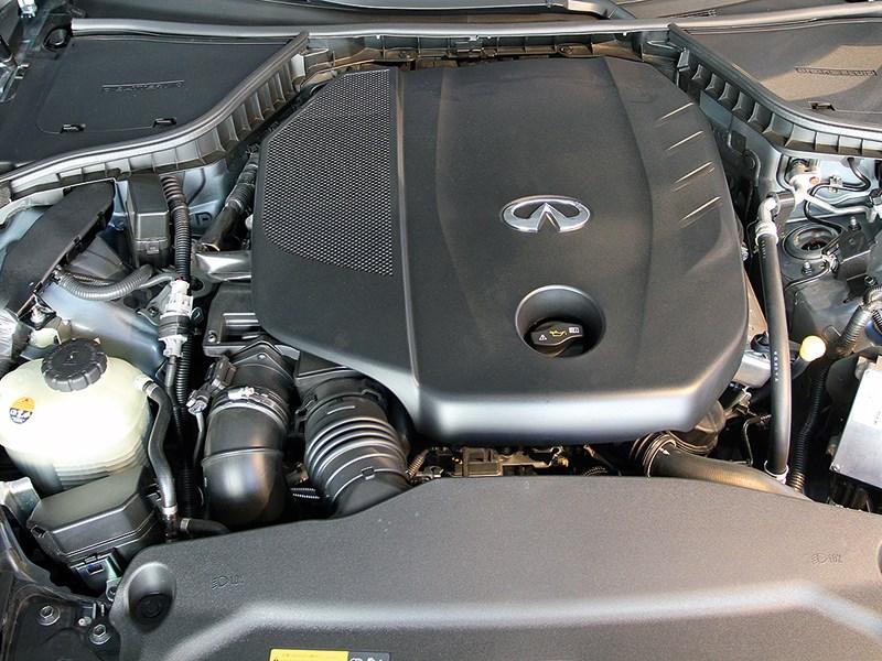 Infiniti Q50 2013 двигвтель