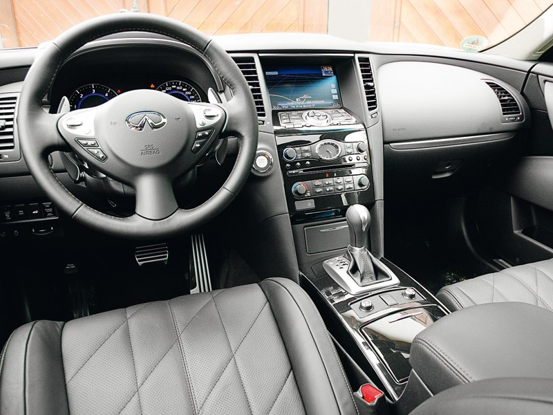 Infiniti FX30d 2012 водительское место