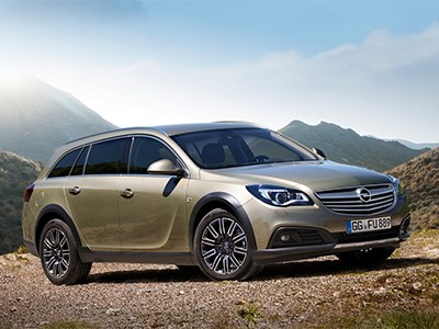 Opel Insignia Country Tourer 2014 вид спереди