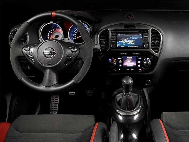 Nissan Juke Nismo RS 2014 водительское место