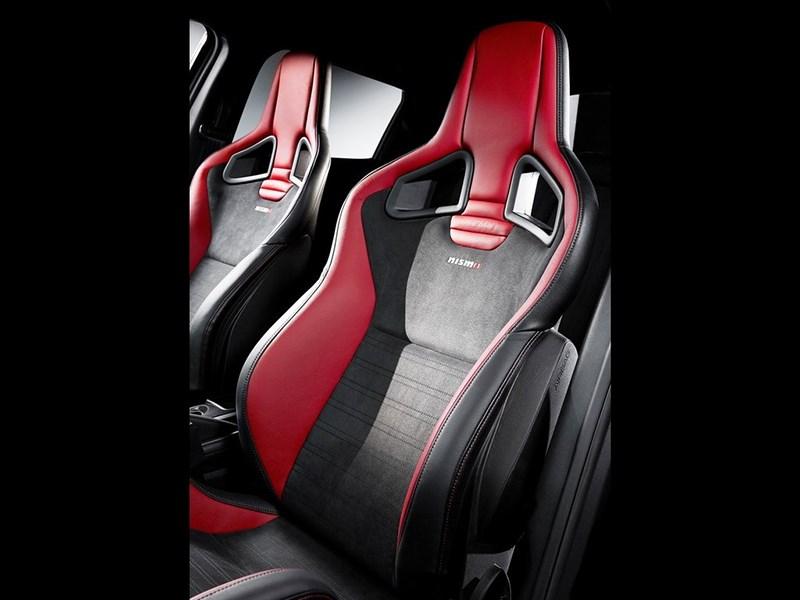 Nissan Juke Nismo RS 2014 спортивные кресла
