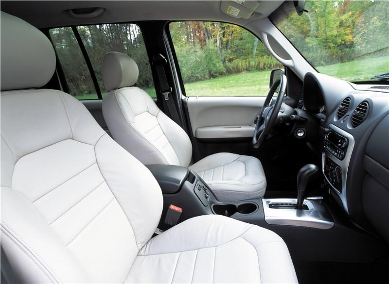 Jeep Cherokee 2001 передние сиденья