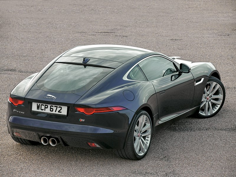 Jaguar F-Type 2014 вид сзади