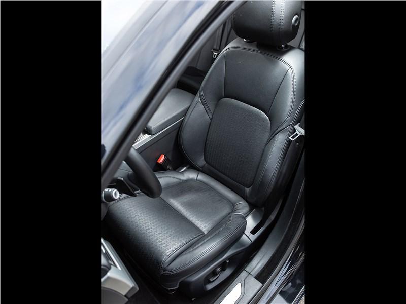 Jaguar XF 2.0 D 2016 кресло водителя
