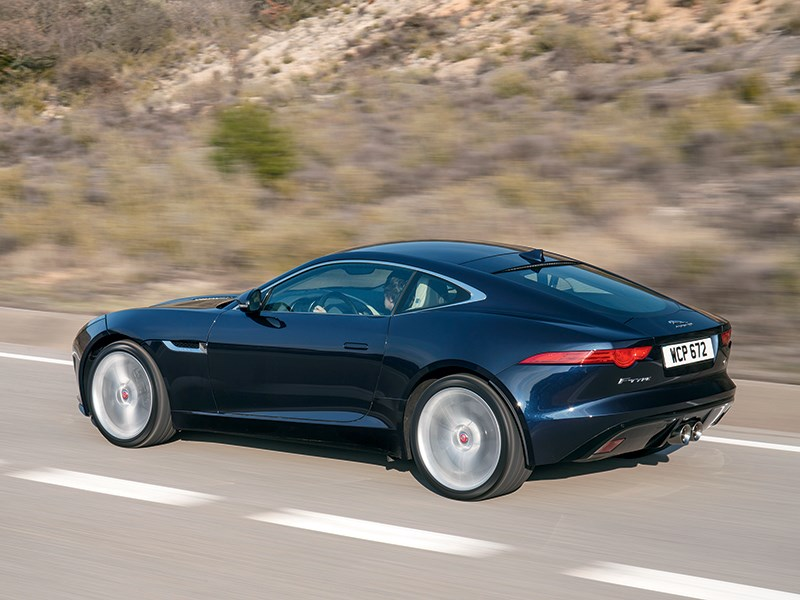 Jaguar F-Type 2014 вид сбоку