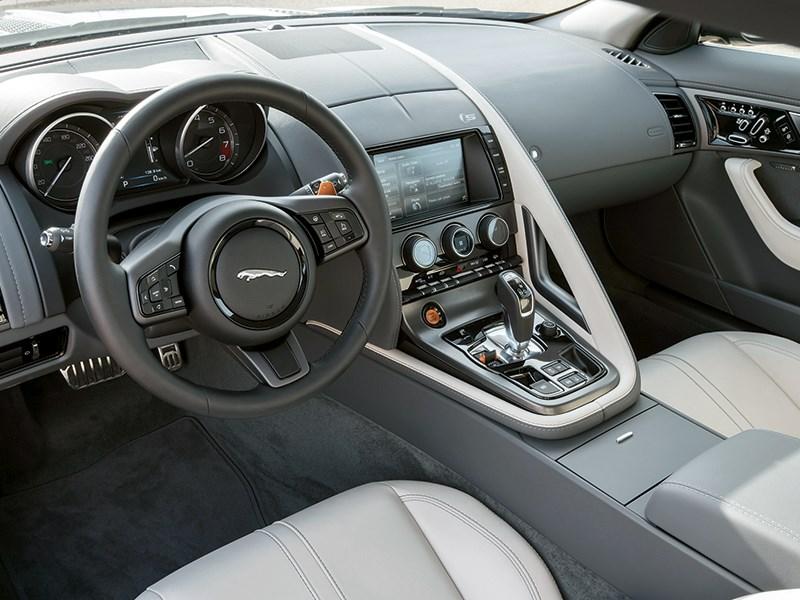 Jaguar F-Type 2014 водительское место