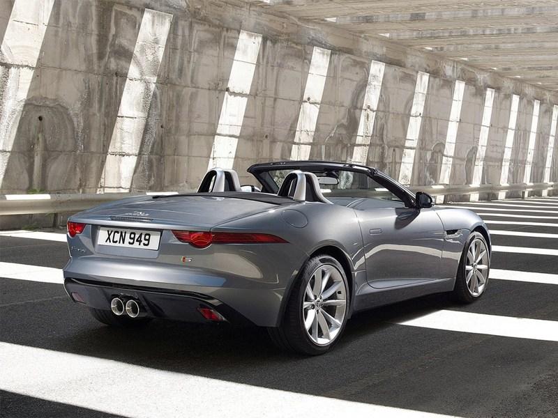 Jaguar F-Type 2013 вид сзади