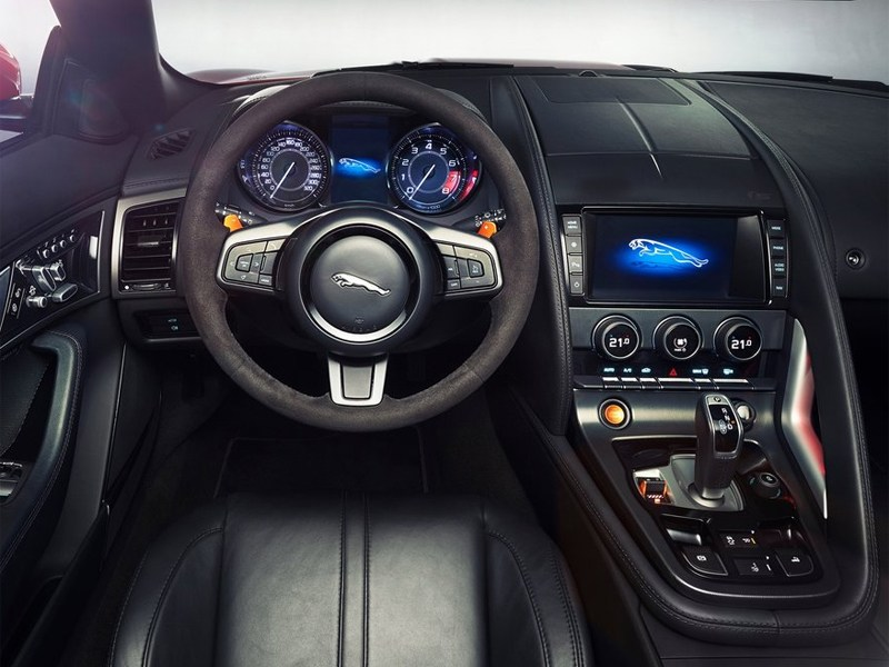 Jaguar F-Type 2013 водительское место
