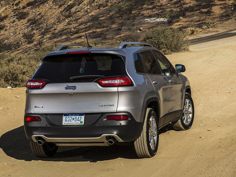 Jeep Cherokee 2013 вид сзади