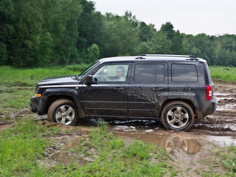 Jeep Liberty 2007 вид сбоку