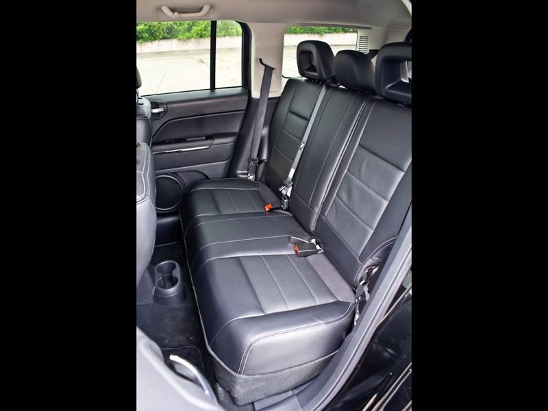 Jeep Liberty 2007 задний диван