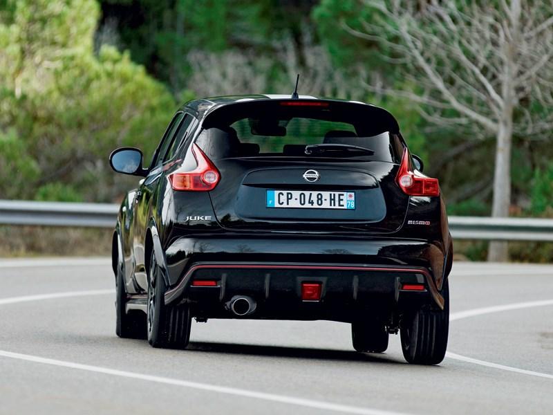 Nissan Juke Nismo 2013 вид сзади