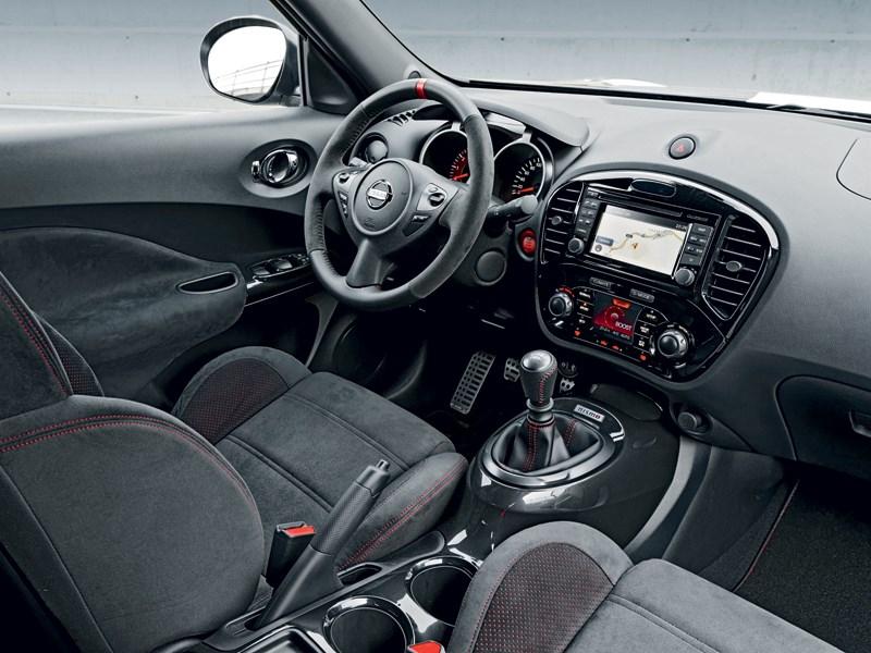 Nissan Juke Nismo 2013 водительское место