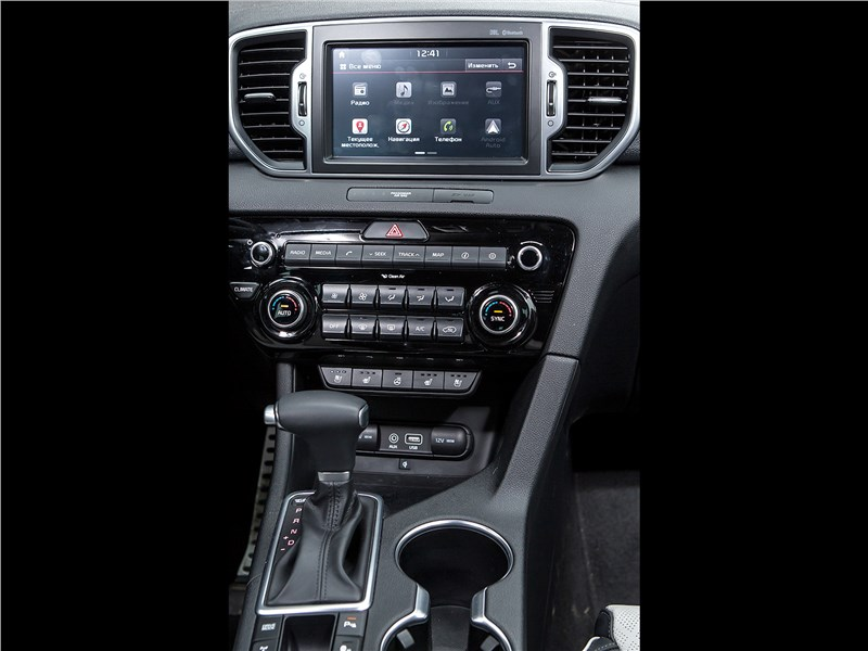 Kia Sportage 2016 центральная консоль