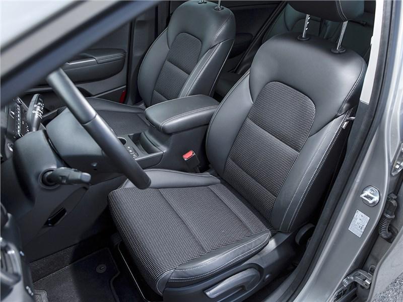 Kia Sportage 2016 передние кресла