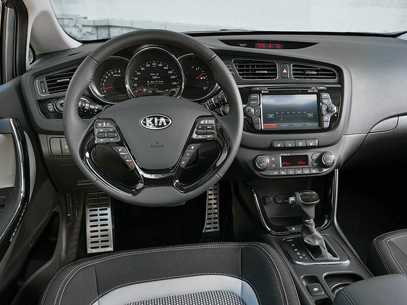 Kia Pro cee'd 2013 водительское место