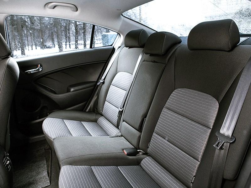 Kia Cerato 2013 задний диван