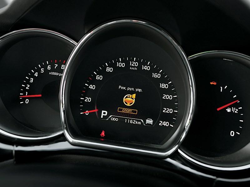 Kia Pro cee'd 2013 приборная панель