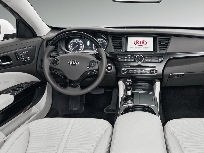 Kia Quoris 2013 водительское место