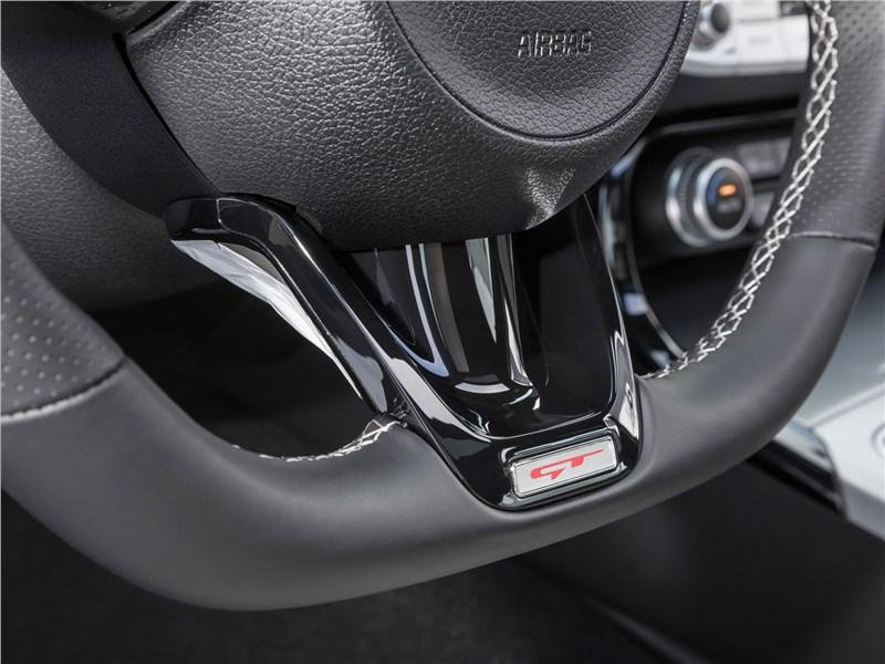 Kia Stinger 2017 руль