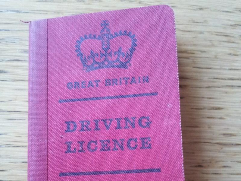 В Великобритании началась разработка электронного водительского удостоверения