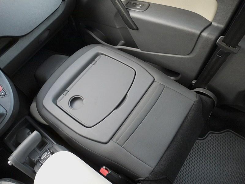 Renault Kangoo 2012 сложенное переднее сидение