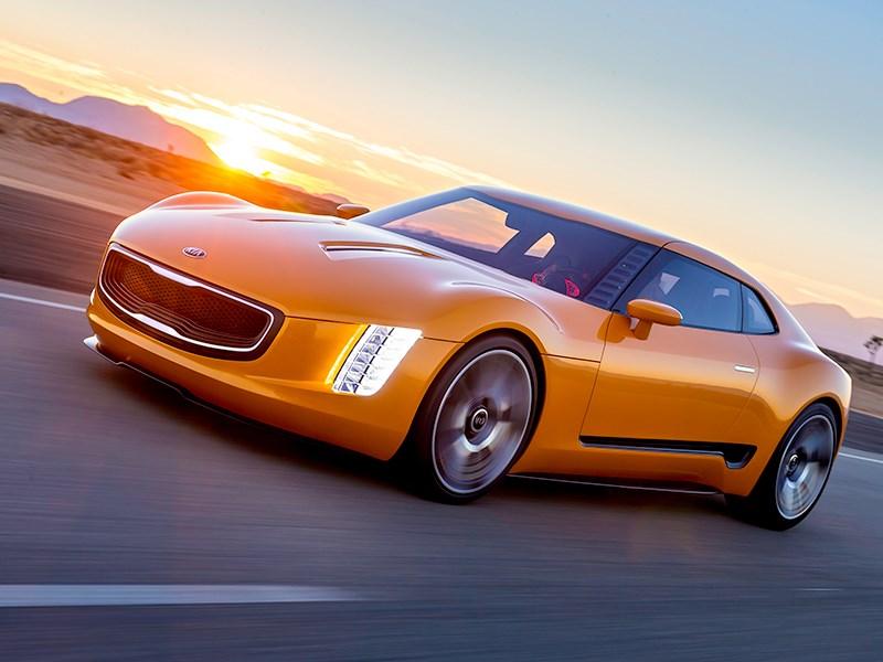 KIA GT4 Stinger concept 2014 вид спереди фото 2