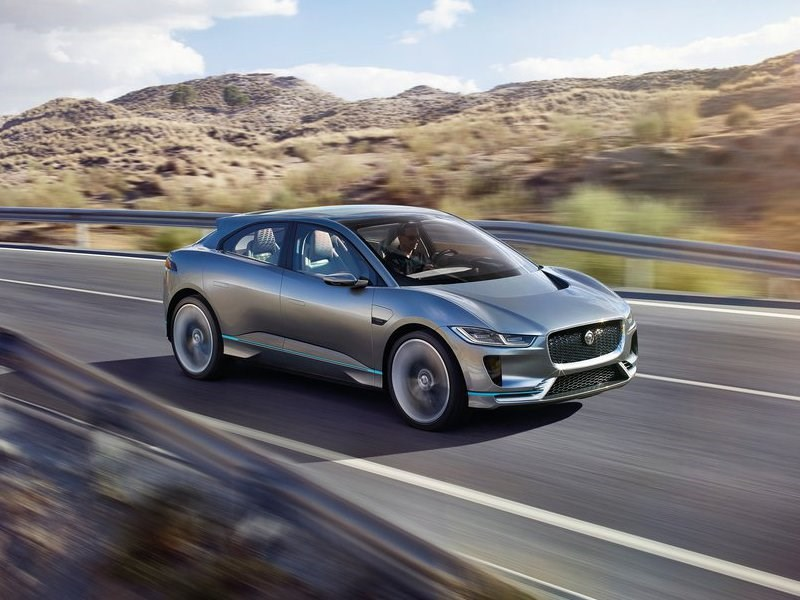 Jaguar привез в Лос-Анджелес свой первый электрокроссовер
