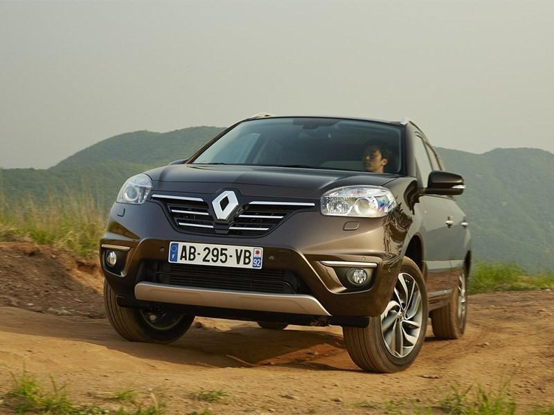 Renault Koleos 2014 вид спереди