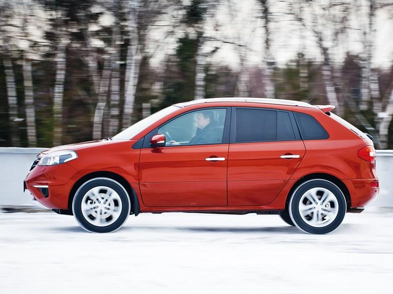 Renault Koleos 2011 вид сбоку