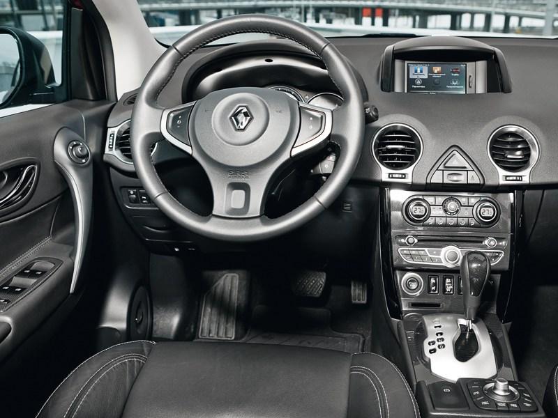 Renault Koleos 2011 водительское место