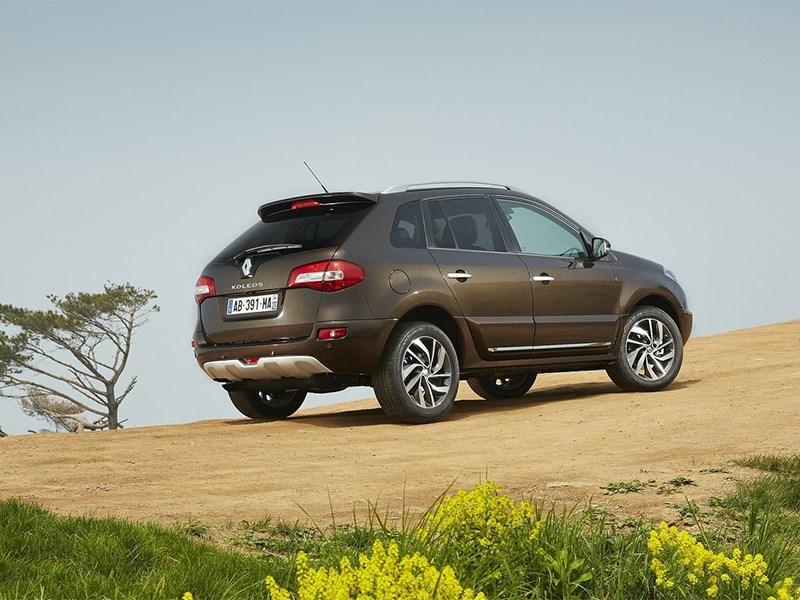 Renault Koleos 2014 вид сзади
