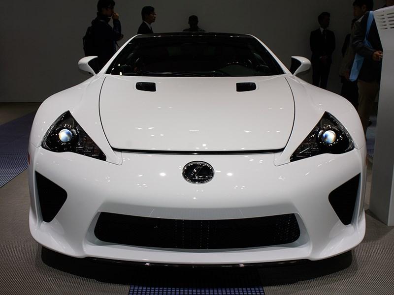 Lexus LFA 2011 вид спереди