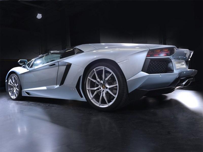 Lamborghini Aventador LP700-4 2013 вид сзади