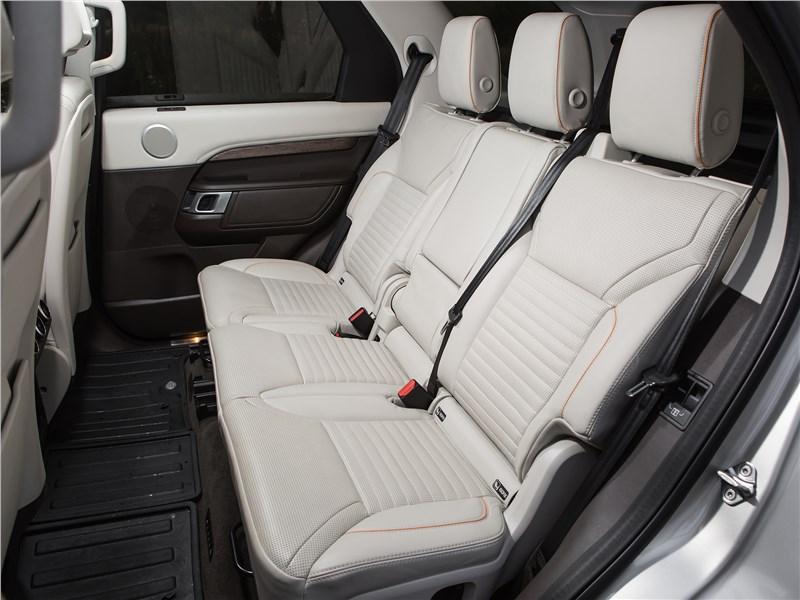 Land Rover Discovery 2017 задний диван
