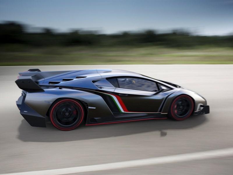 Lamborghini Veneno 2013 вид сбоку