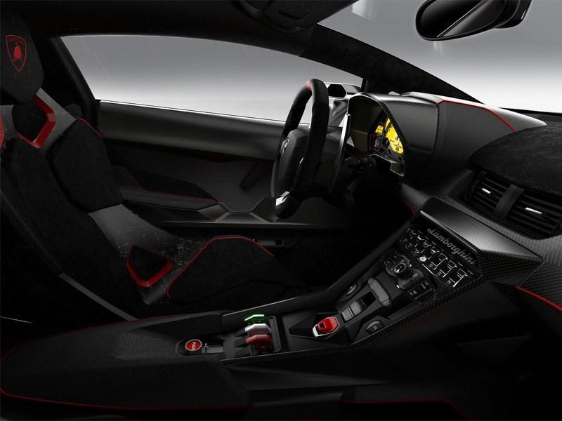 Lamborghini Veneno 2013 водительское место