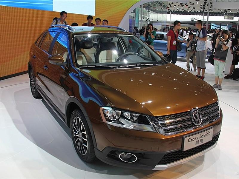 Volkswagen Cross Lavida 2014 вид спереди 3/4