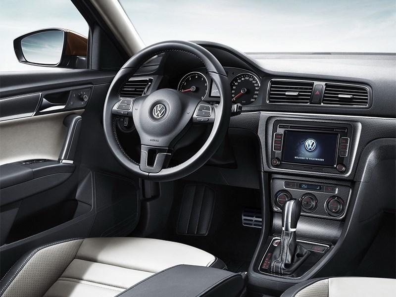 Volkswagen Cross Lavida 2014 водительское место