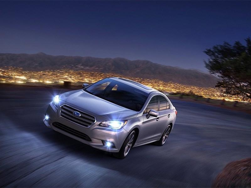 Subaru Legacy 2014 вид спереди сверху