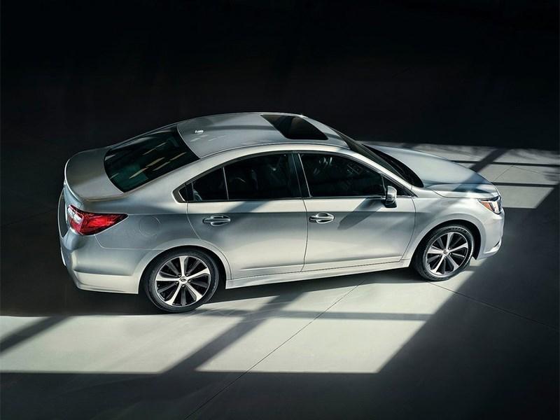 Subaru Legacy 2014 вид сбоку сверху