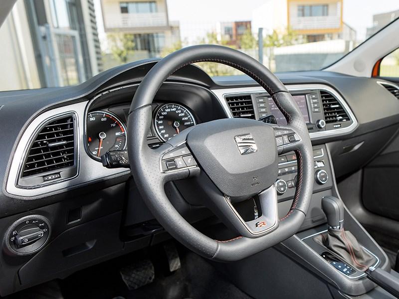 Seat Leon 2013 водительское место