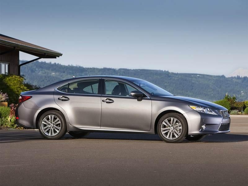Lexus ES 2013 вид сбоку