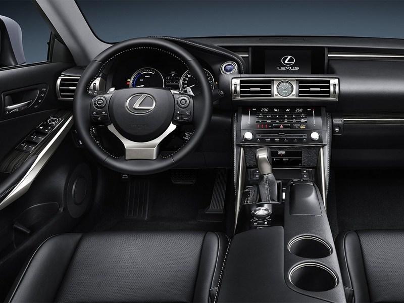 Lexus IS 2013 водительское место